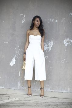 Paint chipped gray and white wall. All right shoulder, leg. All White Outfit, White Outfits, Beverly Heels, Girl Fashion, Womens Fashion, Bustier, Fashion Lookbook, Mode Style, Her Style