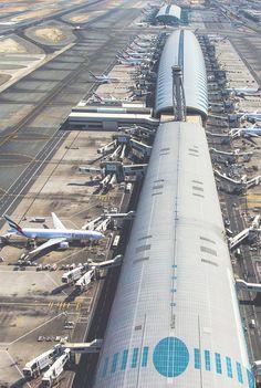 Dubai International Airport by Simon Newton Abu Dhabi, Visit Dubai, Dubai Uae, Dubai Airport, Airport Design, Emirates Airline, Commercial Aircraft, Civil Aviation, United Arab Emirates