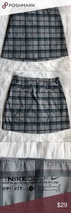 "Nike golf plaid athletic skort size 8 Nike Golf plaid golf skort size 8.  EUC.  Side zip.  Approximate flat lay measurnents: waist/hip 16"", waist to hem 17"".  Also great for hiking or biking. • Posh Ambassador • Smoke and pet free home • Fast shipping! Nike Shorts Skorts"