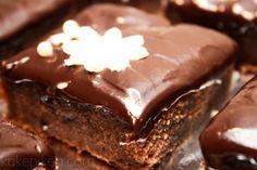 Chocolate Cakes, Desserts, Food, Tailgate Desserts, Deserts, Essen, Bolo De Chocolate, Postres, Meals