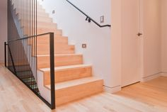 Stairs / wood treads and risers / flush to wall Interior Stairs, Interior Trim, Interior Design, Wood Stairs, Stair Railing, Railings, Architecture Details, Interior Architecture, Modern Baseboards