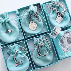 Dainty Jewelry, Cute Jewelry, Luxury Jewelry, Antique Jewelry, Jewelry Accessories, Vintage Jewelry, Fashion Accessories, Fashion Jewelry, Jewelry Design