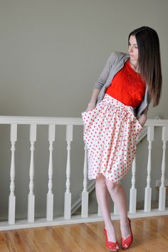 C: The gathered drape skirt with pockets tutorial.  Love the shape of this skirt!