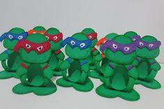 Lindo porta bombom com o tema de tartaruga ninja. confeccionado em eva. <br> <br>confeccionamos qualquer tema.
