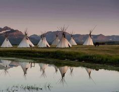 Blackfeet Indian Reservation near east Glacier. Photo via Donnie Sexton Native American Teepee, Native American Tribes, Native Americans, Indigenous Peoples Day, Indian Village, Daily Pictures, Le Far West, Native Indian, Indian Art