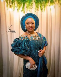 Beautiful in her trad outfit. African Formal Dress, African Lace Dresses, African Dresses For Women, African Attire, African Wear, Latest African Fashion Dresses, African Print Fashion, African Lace Styles, Ankara Styles