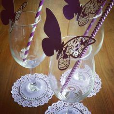La mejor manera de personalizar tu evento #kitepartyevents Wine Glass, Tableware, Get Well Soon, Dinnerware, Tablewares, Dishes, Place Settings, Wine Bottles