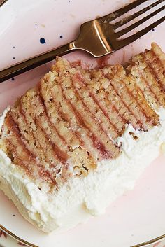 Rhubarb icebox cake - Layered cookies and rhubarb, surrounded in whipped cream, for a fruit-filled version of a classic icebox cake. Icebox Cake Recipes, Dessert Recipes, Freezer Desserts, Icebox Desserts, Fresco, Sweetened Whipped Cream, Individual Desserts, Rhubarb Recipes, King Arthur Flour