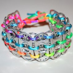Neon Rainbow Pop Can Tab Cuff Bracelet - Pulsera Arco iris neón con corcholatas