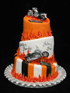 Harley Davidson Themed Wedding Cake- My dad's dream cake.an idea for maybe their anniversary? lol - maybe as the grooms cake, that's awesome! Wedding Cake Cookies, Themed Wedding Cakes, Themed Cakes, Cupcakes, Cupcake Cakes, Fondant Cakes, Unique Cakes, Creative Cakes, Bolo Harley Davidson
