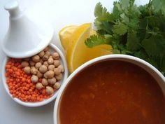 Harira - hagyományos marokkói ünnepi leves Chana Masala, Chili, Beans, Soup, Vegetables, Ethnic Recipes, Chile, Chilis, Vegetable Recipes