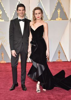 Who could forget Brie Larson's amazing Oscars look? Her velvet Oscar de la Renta custom gown was a classic yet modern approach to Old Hollywood glamour. She finished the look with a bold red lip and strappy sandals.