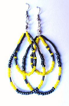 Orecchini pendenti con perline colorate  Fatti a mano! Handmade !