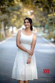 Tamil Actress Priya Bhavani Shankar Latest Photoshoots - South Indian Actress - Photos and Videos of beautiful actress - Beautiful Girl Indian, Most Beautiful Indian Actress, Beautiful Girl Image, Beautiful Saree, Beautiful Actresses, Beautiful Women, Priya Bhavani Shankar, Actress Priya, Tamil Actress