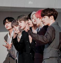 I wish i can meet you boys. Vlive Bts, Bts Bangtan Boy, Bts Jungkook, Taehyung, Foto Bts, Bts Photo, K Pop, Bts Cute, Die Beatles