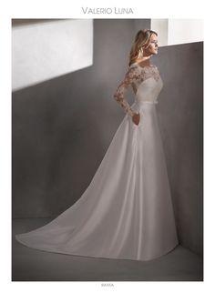 3862ee841 Tu vestido de novia te está esperando en Higar Novias. Higar Novias · 2019 Valerio  Luna Novia