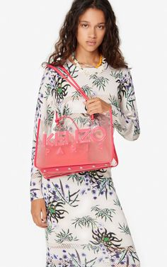 Kombo tote | Kenzo Back To Black, Leather Handle, Kenzo, Dress Patterns, Floral Tops, Latest Trends, Coral, Stylish, How To Wear