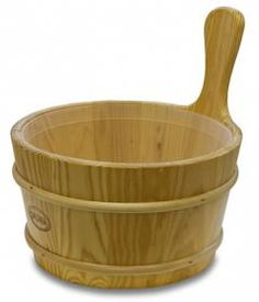 The 4L Pine Sauna Bowl with a Plastic Liner is designed with Finnish Pine in Finland.