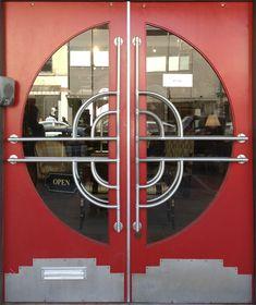 Art Deco/Streamline/Machine Age doorway, Hudson, NY (uploaded by Retroworx)