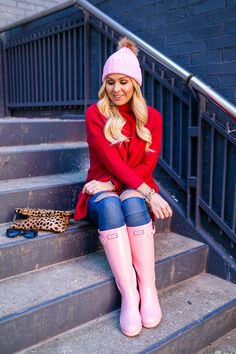 Pink + Red for Valentine's Day (Cort In Session) Pink Hunter Boots, Pink Rain Boots, Hunter Boots Outfit, Wellies Rain Boots, Hunter Rain Boots, Nordstrom Sunglasses, Rain Boots Fashion, Rainy Day Fashion, Southern Fashion