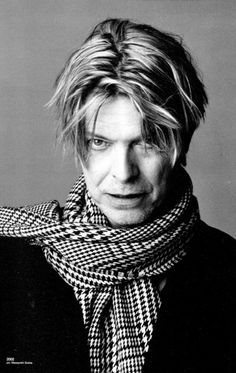 David Bowie, born als David Robert Jones (1947) - English musician, singer-songwriter, record producer, actor and arranger.