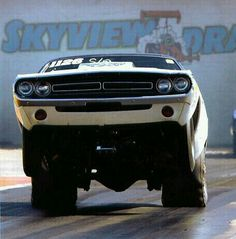 Just a car guy : one good looking Challenger, as seen with it's anger up Dodge Muscle Cars, Drag Bike, Pony Car, Us Cars, Drag Cars, American Muscle Cars, Car Humor, Drag Racing, Auto Racing