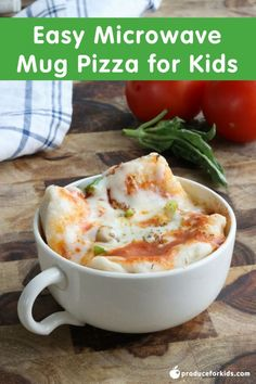 Easy Microwave Mug Pizza for Kids - if you're looking for an easy idea to keep kids fed this summer, this recipe is the answer! Kids can make these themselves, satisfying even the hungriest of kiddos! Mug Recipes, Oven Recipes, Real Food Recipes, Cooking Recipes, Easy Recipes, Recipies, Easy Meals, Easy Microwave Recipes, Microwave Dishes