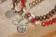 """Bracelets facettes """"Scintillance ethnique"""" rouge,marron et beige : Bracelet par latitude42-02"""