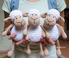 Зефирные овечки амигуруми от Марии Костюченко-Кошмал.   [Схема вязания...]   Чтобы перейти к схеме, кликаем по словам в скобках.