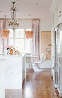 Kitchen Dreams. Pink chinoiserie wallpaper panels. Interior Design: Meredith Heron. 7 Kitchen Trends To Look For in 2015