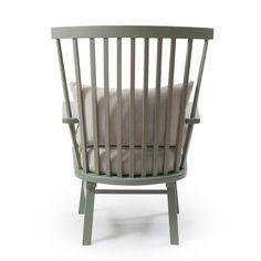 Maestro lenestol fra Decotique. En herlig lenestol med innslag av den klassiske pinnestolen. Stolen ...