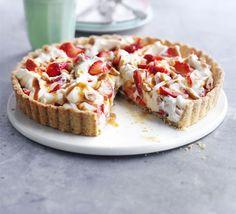 Strawberry hazelnut tart (breakfast at Wimbledon 2010)