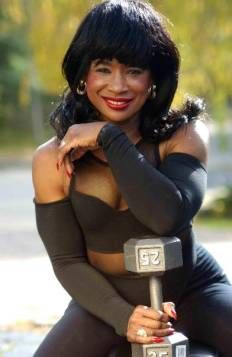 Such an inspiration she just turn 70 yrs old and look fabulous! #Linda Wood Hoyte