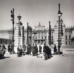 1906: De Madrid al cielo: Álbum de fotografías y documentos históricos. - Urbanity.cc