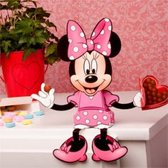 Minnie Mouse Valentine's Day candy Box  Free template - And great as a Birthday Party Idea as well!