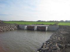 Nieuwe uitwateringssluis in de uiterwaarden v.d. #Bergsemaas in de #Overdiepsepolder #Ruimtevdrivier #Brabantsedelta pic.twitter.com/olNjIMVtCE