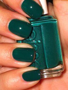 36 Prettiest Khaki Nail Art Ideas You'll Love #nail #khaki #army #green #art #matte #stiletto