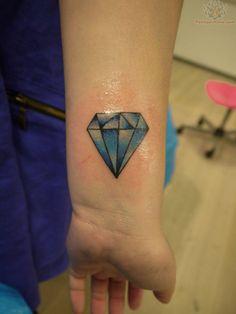 old school tattoo | Old School Blue Diamond Tattoo On Wrist