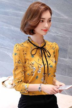 30 stylish summer outfit combinations to wear at work Cute Sweatshirts For Girls, Corporate Attire Women, Business Outfits Women, Stylish Summer Outfits, Blouse Designs, Fashion Outfits, Clothes For Women, Button Shirts, Outfit Combinations
