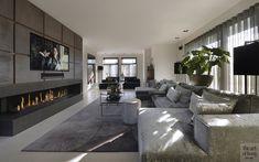 Woonhuis Oisterwijk - Hoog ■ Exclusive living and garden inspiration. Lounge Design, Lounge Decor, Hotel Lounge, Lounge Chair, Classy Living Room, Living Room Modern, Home Living Room, Modern Lounge Rooms, Interior Design Living Room