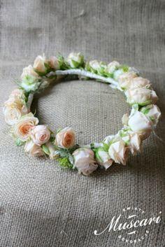 Pastelowy wianek ślubny z róż