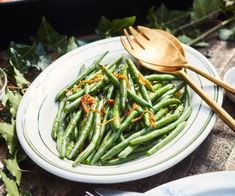Green beans/asparagus with lemon brown butter By Nadia Lim Real Food Recipes, Great Recipes, Vegetarian Recipes, Diabetic Recipes, Limoncello, Lemon Green Beans, Braised Chicken, Food Categories, Cook At Home