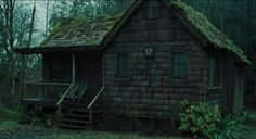 Inspiration: Washington Travel & Living Horror movies have had no shortage of iconic locations. Dorm Room Accessories, Eco Buildings, Spooky House, Cabins In The Woods, Horror Movies, South America, House Styles, Inspiration
