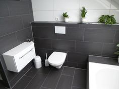 Examples of bathrooms and living rooms with tiles – Tile laying Leibssle / Kern GmbH Reutlingen – Tiler Reutlingen – Tübingen tilers Large Tile Bathroom, Small Bathroom Storage, Bathroom Design Small, Bathroom Towels, Bathroom Interior Design, Modern Bathroom, Modern Vanity, Bathroom Ideas, Dark Bathrooms