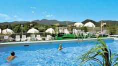 Nager avec la belle vue sur les Monts Euganees ! Abano Terme en Italie Hôtel Terme Roma  fango, balnéo, hydro et spa  = bien-être !  www.spadreams.fr/pas-cher/italie/monts-euganeens/abano-terme/hotel-terme-roma/