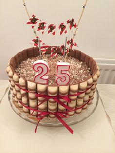 A kinder bueno cake: filled with white chocolate ganache, and milk chocolate coat; surrounded by White kinder bueno bars. Source: Luna Bitencourt
