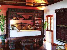 balinese decoration in Turtle Inn Hotel, Belize