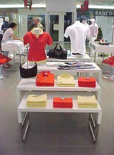Del Carmen by Sarruc: Como dispor as mercadorias numa loja de roupas - Lay-out de loja
