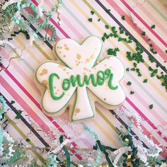 The green and gold is so pretty! This cookie is 3.5 inches and only $3. Gets yours now. I can only take about 4 more orders. 😊… Irish Cookies, St Patrick's Day Cookies, Sugar Cookies, Cookie Decorating, Decorating Ideas, Cookie Designs, St Patricks Day, Green And Gold, Goodies