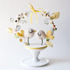 Weddbook ♥ Cute Love birds cake topper from Emilie Friday. Bird Cake Toppers, Wedding Cake Toppers, Wedding Cakes, Red Velvet Wedding Cake, Yellow Wedding, Sweet Cakes, Cute Cakes, Bird Cakes, Holiday Cakes